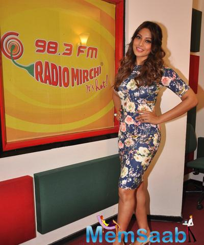 Bipasha Basu At Radio Mirchi Mumbai Studio For Alone Promotion