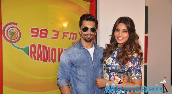 Karan And Bipasha Spotted To Promote Alone At Radio Mirchi