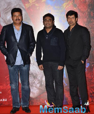 S. Shankar,A. R. Rahman And Vikram Posed For Camera At The Promotion Of I Movie
