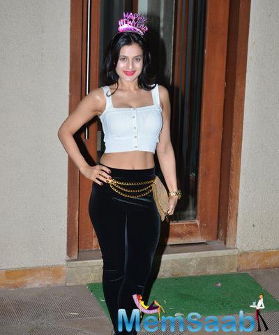Ameesha Patel Arrived At Sunjay Dutts New Year Party