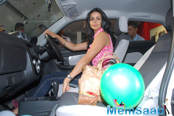 Gul Panag At The Launch Of Mahindra Reva E20