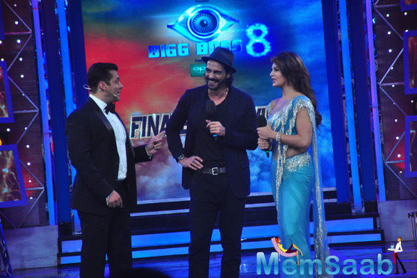 Jacqueline Fernandez And Arjun Rampal Promoted Their Upcoming Film Roy On The Sets Of Bigg Boss 8 With Salman Khan