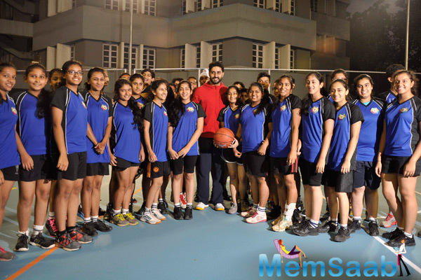 Abhishek Bachchan Strike A Pose With Team At The Jamnabi Narsee School