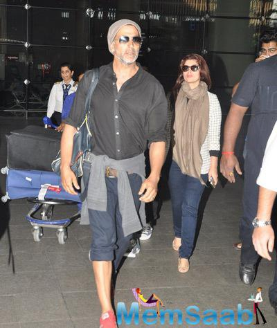 Akshay With Family Snapped At Mumbai Airport After Celebrated New Year