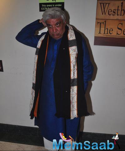 Javed Akhtar Strike A Pose For Shutterbugs At The Book Launch