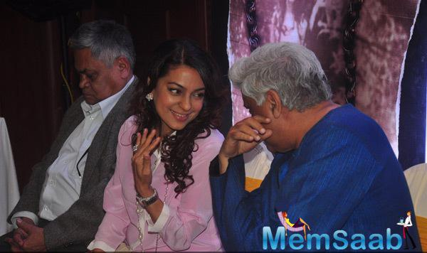 Juhi Chawla And Javed Akhtar Are Busy Talking With Each Other