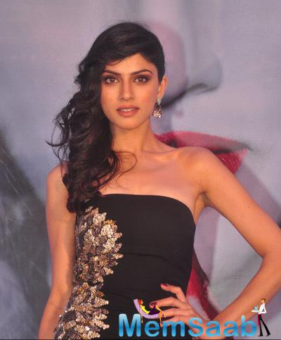Sapna Pabbi Looked Lovely And Gorgeous In Her Black Strapless Long Maxi Dress