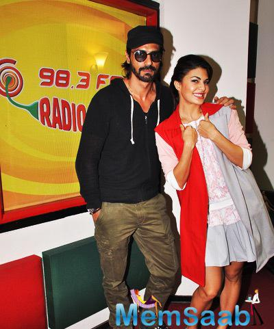 Jacqueline And Arjun Clicked At 98.3 FM During Roy Promotion