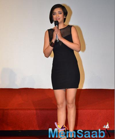 Akshara Haasan Looked Beautiful In Full Black Dress For The Trailer Launch Of Shamitabh