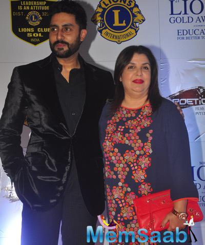 Abhishek Bachchan And Farah Khan Posed During The 21st Lions Gold Awards