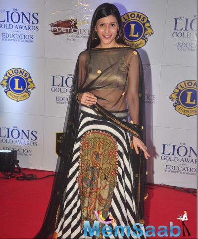 Mannara Won Best Debutante At 21st Lions Gold Awards 2015