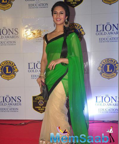 Telly Actress Divyanka Tripathi Traditional Look On Red Carpet At 21st Lions Gold Awards