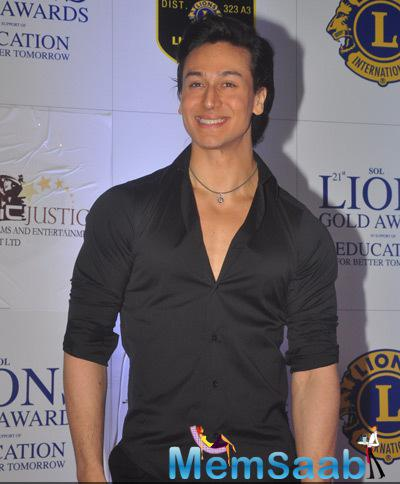 Tiger Shroff Smiling Pose For Camera At 21st Lions Gold Awards