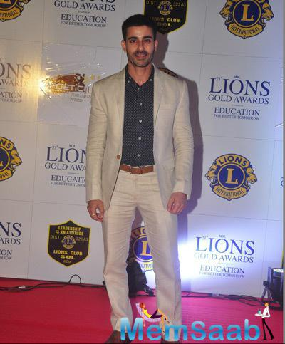 TV Actor Gautam Rode Strikes A Pose On Red Carpet At 21st Lions Gold Awards