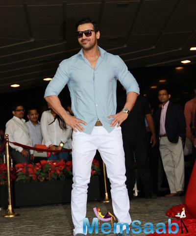 John Abraham Strike A Pose For Shutterbugs At The SCMM Count Down Press Conference