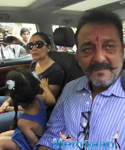 Sanjay Dutt Arrived At Mumbai Airport With His Wife Manyata Dutt And His Kids