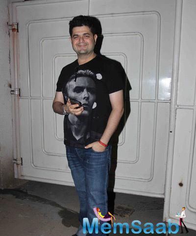Daboo Ratnani Cool Pose During The Special Screening Of Tevar Movie