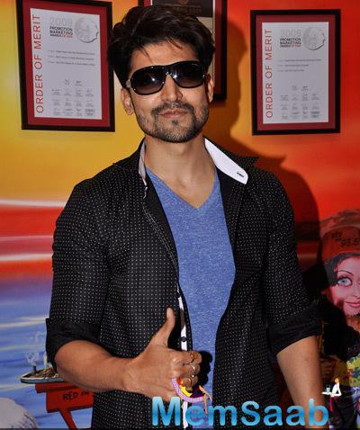 Gurmeet Promoted His Upcoming Movie Khamoshiyan At Red FM