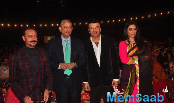 Gulshan Grover,Arun Bali,Anu Malik And Tabu Posed At Umang Mumbai Police Show 2015