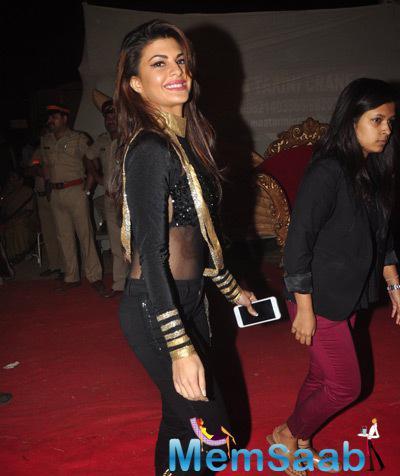 Jacqueline Fernandez Cool Look At Umang Mumbai Police Show 2015