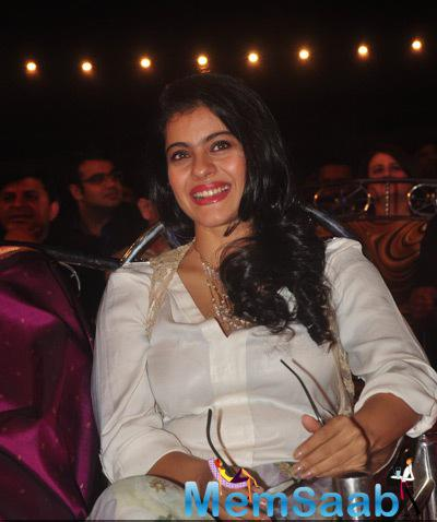 Kajol Devgan Flashes Smile At Umang Mumbai Police Show 2015