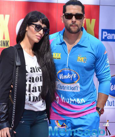 Aftab Shivdasani And Wife Nin Dusanj Attend CCL Red Carpet 2015