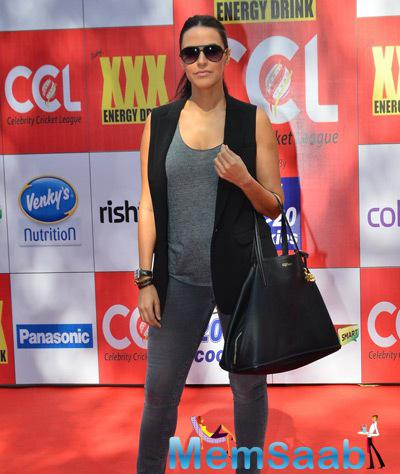 Neha Dhupia Stunning Look At CCL Red Carpet 2015