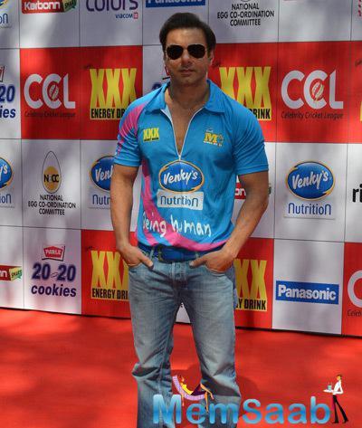 Sohail Khan Strikes A Pose At CCL Red Carpet 2015