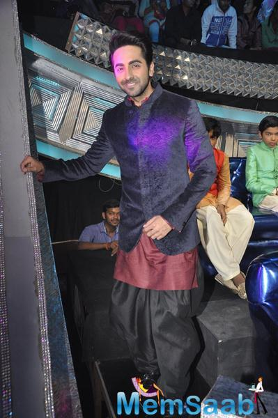 Ayushmann Khurana Snapped At Sa Re Ga Ma Li'l Champs Set For His Movie Promotion