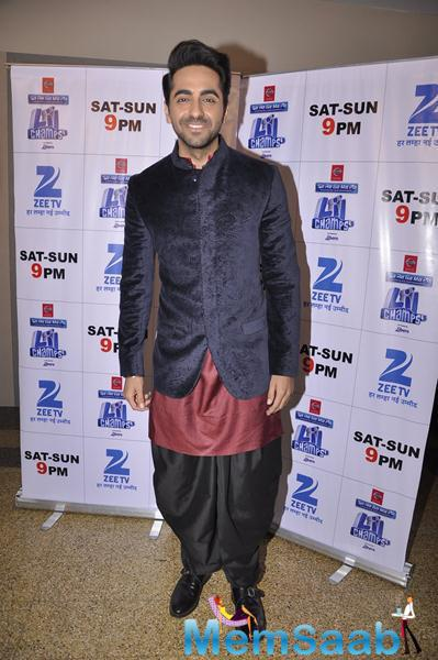 Ayushmann Spotted At Sa Re Ga Ma Pa Lil Champs Set For His Upcoming Movie Hawaizaada Promotion