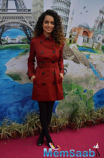 Kangana Strikes A Elegant Pose During The ITT Travel Exhibition