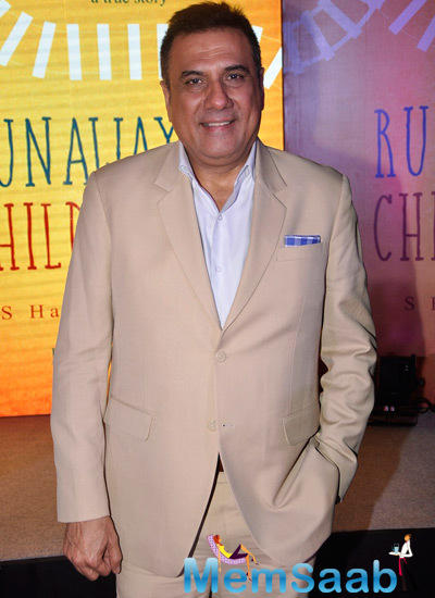 Boman Irani Spotted To Launch Book Run Away Children For Street Children
