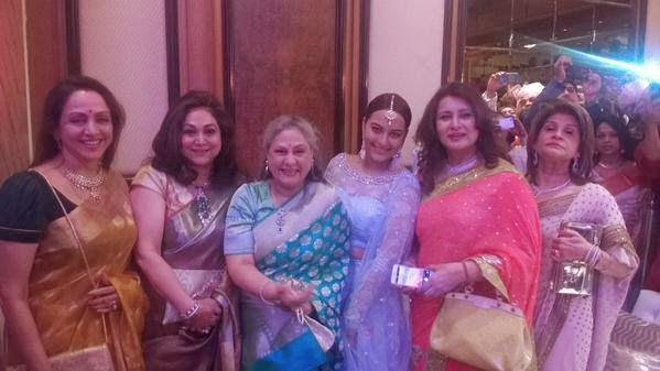 Hema Malini,Jaya Bachchan,Sonakshi Sinha And Poonam Dhillon Posed For Camera At Sonakshi Sinha Brother Wedding Ceremony
