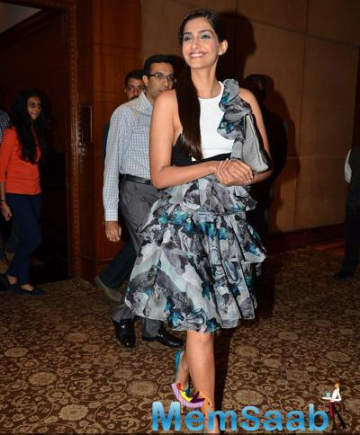 Sonam Kapoor Flashes Smile While She Arrived The Promotion Of Dolly Ki Doli