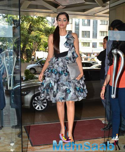 Sonam Kapoor Looked Lovely During The Promotion Of Dolly Ki Doli Movie
