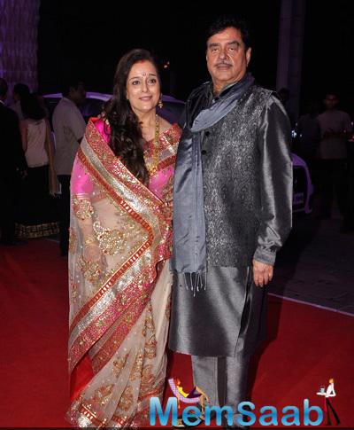 Poonam Sinha Posed With Hubby Shatrughan Sinha At Their Son Kush Sinha Wedding Reception