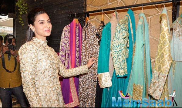 Gauhar Khan Snapped Having A Look At The Latest Collections In The Store
