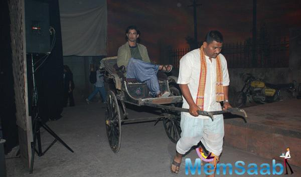 Sushant Singh Rajput Arrived In Rickshaw During The Trailer Launch Of Detective Byomkesh Bakshy