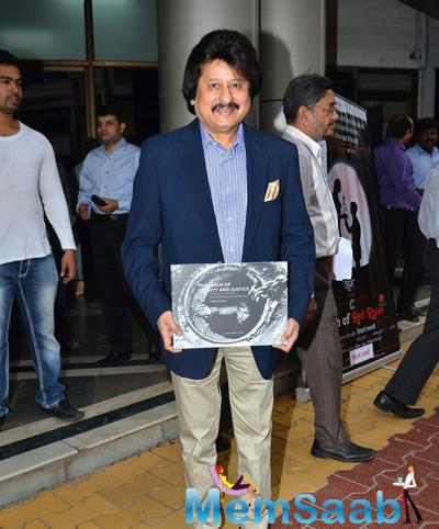 Pankaj Udhas Posed With A Book At In Search Of Dignity And Justice Book Launch