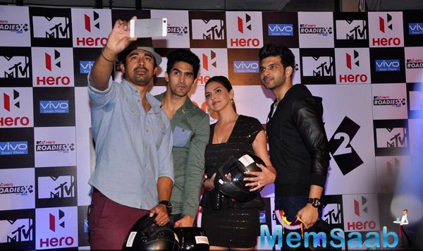 Rannvijay,Vijender,Esha And Karan Taking Selfie During The Press Meet Of MTV Hero Roadies X2