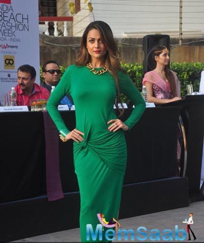 Amrita Arora Strikes A Pose During The IBFW 2015 Goa Press Meet