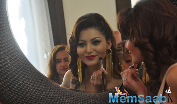 Urvashi Rautela Take Make Up During The IBFW 2015 Goa Press Meet