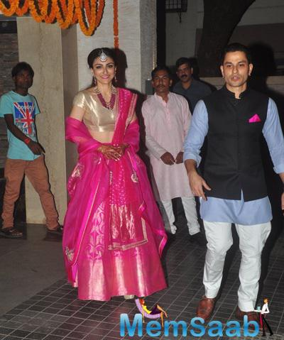 Newly Wed Soha Ali Khan And Kunal Khemu Arrived At Their Wedding Bash