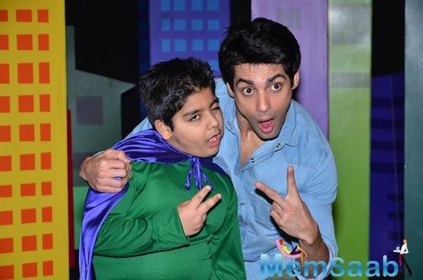 Sadhil Kapoor And Karan Wahi Cool Pose On The Sets Of Captain Tiao