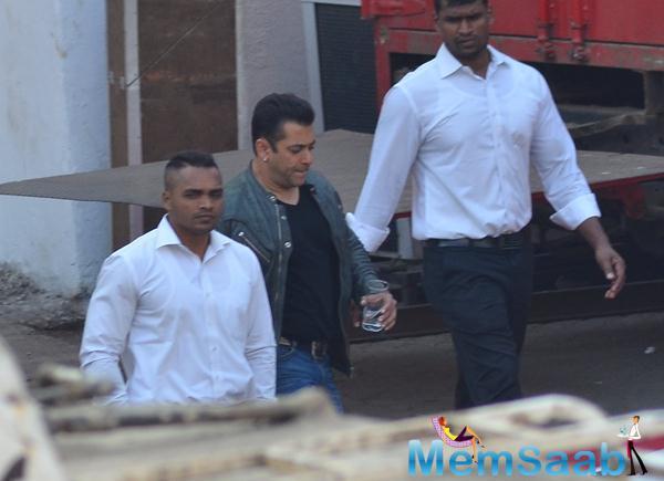 Salman Khan Arrived At Mehboob Studio
