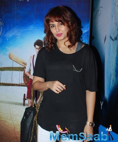 Huma Qureshi Casual Trendy Look At Hawaizaada Movie Special Screening