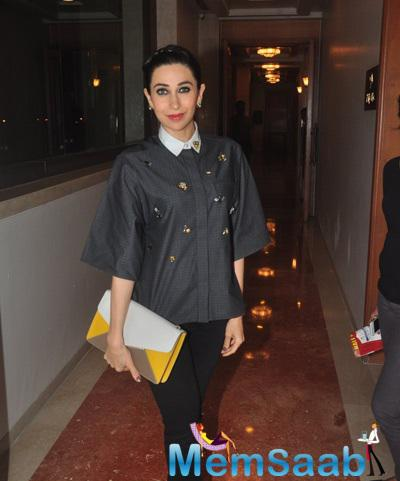 Stunning Diva Karisma Kapoor Gorgeous Look In Red Lippy During The Launch Of Dhananjay Datar Masala King Supermarket