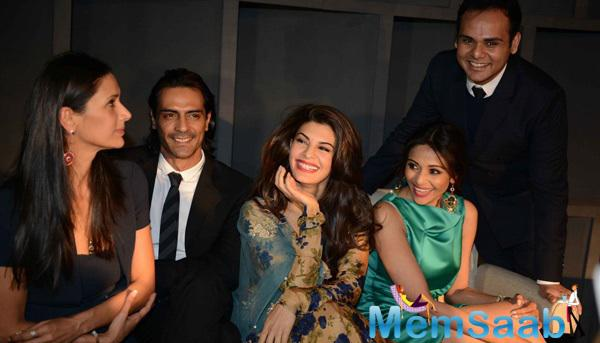 Mehr Jesia Rampal With Hubby Arjun Rampal And Jacqueline Fernandez Cool Pose At India Art Fair 2015