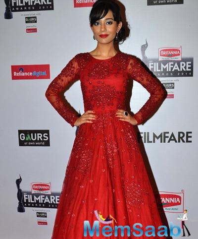 Amrita Rao In Red Dress Chic Look At 60th Britannia Filmfare Awards 2015