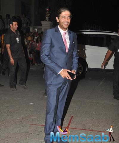 Chunky Pandey Arrived With Smile At 60th Britannia Filmfare Awards 2015